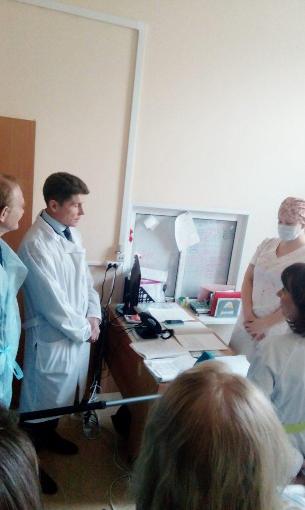 Губернатор Приморья посетил детскую больницу.